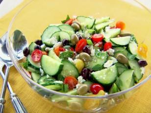 yw0212h_minty-greek-salad-recipe_s4x3